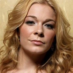 LeAnn Rimes is Out of Touch With Reality