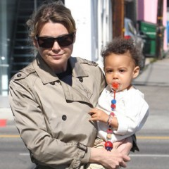 8 Hollywood Moms Who Do It All
