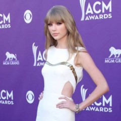 Taylor Swift Chops Off Her Hair