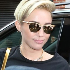 Miley Cyrus Finally Leaves the Hospital