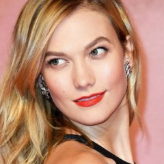 Karlie Kloss Is Almost Unrecognizable With This Big Hair Change