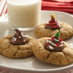 Easy Christmas Peanut Butter Blossoms