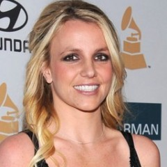 Britney Spears Evacuates Home To Avoid Fires