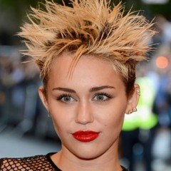 Miley Cyrus Does Her Best Guy Fieri