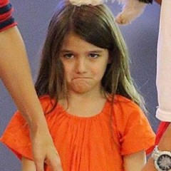 Suri Cruise Gets Feisty With The Paparazzi
