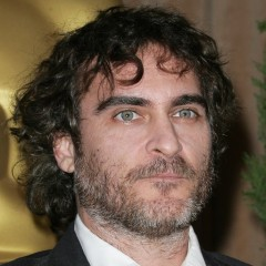 Joaquin Phoenix Seriously Needs A New Look