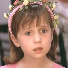 e73864c1cc The Little Girl from  Mrs Doubtfire  is 31 Now and Gorgeous