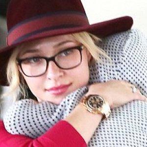 65fbffdede2f SNSD s Tiffany reveals selcas with glasses through Facebook